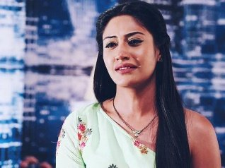 Surbhi Chandna CONFIRMS Her Exit From Ishqbaaz