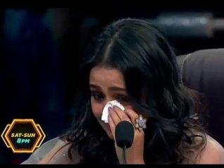 Neha Kakkar Breaks Down On Super Dancer 3 Sets!