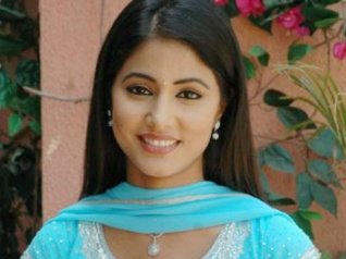 Hina Khan Reveals She Wanted To Become A Journalist!