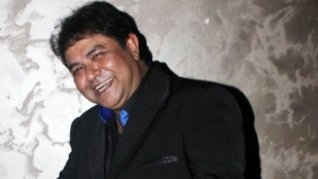 Ashiesh Roy Is Trying To Reach Salman Khan For Monetary Help