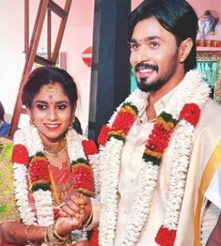 Puviarasu Muthusamy Ties The Knot With Mohanapriya