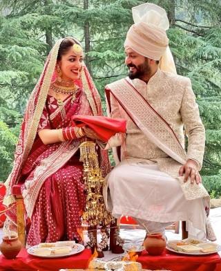 शादी के बंधन में बंधे यामी गौतम और आदित्य धर