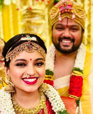 Sagar Mahati Got Married To Singer Sanjana Kalmanje