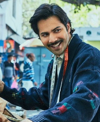 Sui Dhaaga Still: Varun Dhawan Wins The Hearts In His New Avatar!