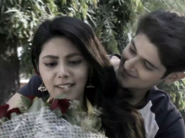 YRKKH: Naksh Proposes Tara In Unique Style!
