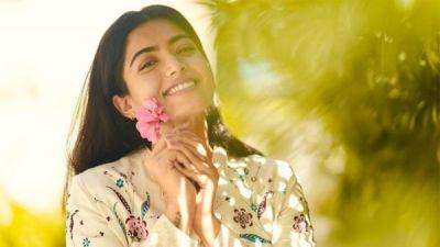 Rashmika Mandanna S Remuneration For Sarileru Neekevvaru And Aa 20 Revealed Filmibeat