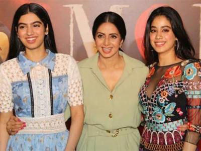 Happy Moments Of Sridevi With Her Daughters Jhanvi & Khushi!