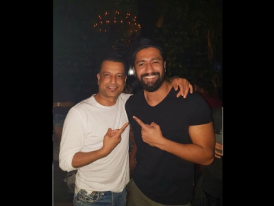 Vicky Kaushal Meets Sanjay Dutt's Bestie Paresh Ghelani!