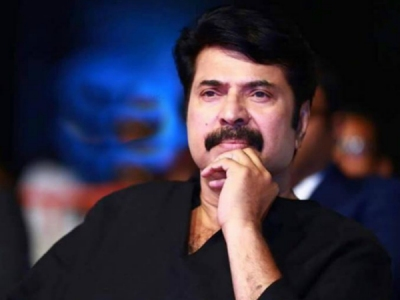 Mammootty Visits Flood Relief Camp In Chengannur!