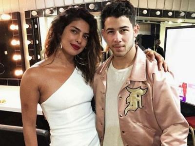 Priyanka Chopra & Nick Jonas Trending Image Is FAKE! Details