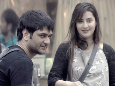 Shilpa's Reaction On Vikas Being Bitten By A Snake Is Epic!