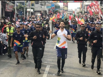 Shaheer Sheikh Bears The Torch At The 18th Asian Games!