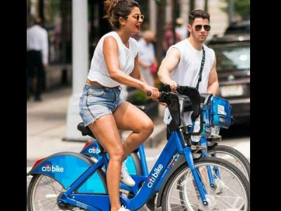 Priyanka Chopra Invites Nick Jonas' Family To Mumbai?
