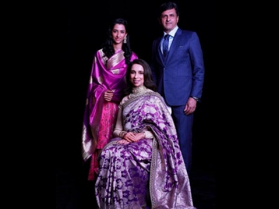 The Padukone's Pose For A Perfect Family Portrait! View Pics