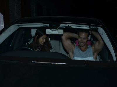 Pics! Disha & Tiger Head Out For A Late Night Drive