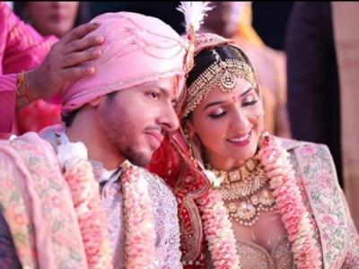 Neeti Mohan & Nihar Pandya's Wedding Pics Are Mesmerizing