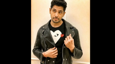 What Does Sidharth Want To Steal From Alia & Ranbir?