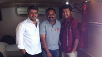 Venkat Prabhu Shares A Throwback Picture With Ajith & Vijay!