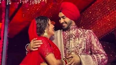 Neha Kakkar And Rohanpreet's Wedding Day Videos Go Viral