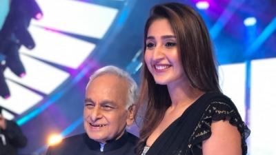 Dhvani Bhanushali Meets Anandji On Sets Of Indian Idol 12