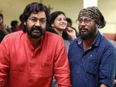 Mohanlal & Lal Jose Wrap Up Velipadinte Pusthakam