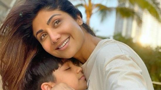 Viaan Hugs Mommy Shilpa Shetty In His Latest Instagram Post