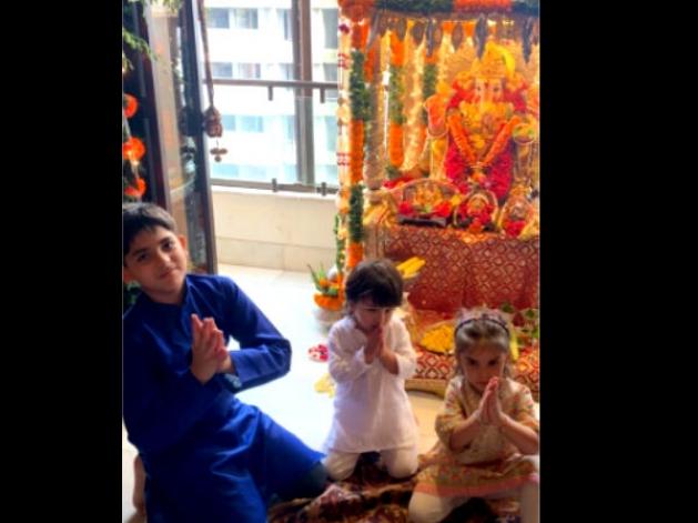 Cutest Ganesha Admirer: Taimur Screams 'Mangal Murti Morya'