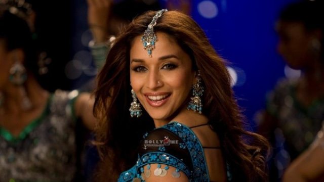 Madhuri Dixit Celebrates 13 Years Of Aaja Nachle