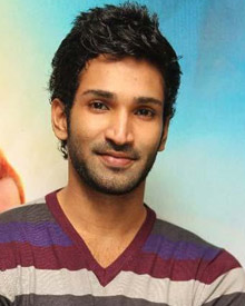 Aadhi Biography Wiki Dob Family Profile Movies Photos