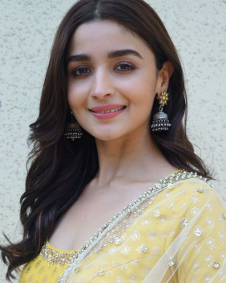 Alia bhatt photos alia bhatt images alia bhatt pictures filmibeat thecheapjerseys Images