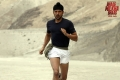 Farhan Akhtar still from Bhaag Milkha Bhaag
