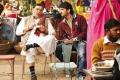 Rishi Kapoor and Sushant Singh Rajput still from Shuddh Desi Romance