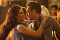 Esha Gupta and Imran Khan still from film Gori Tere Pyaar Mein