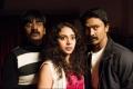 Karunakaran, Rupa Manjari and Krishna still from Yamirukka Bayamen