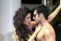 Nargis Fakhri and Varun Dhawan still from film Main Tera Hero