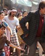Parth Bhalerao and Amitabh Bachchan still from Bhoothnath Returns