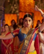 Alia Bhatt in desi avatar still from 2 States