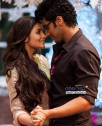 Arjun Kapoor and Alia Bhatt romantic still from 2 States