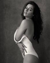 Hot Bikini Photo's of Calendar Girl Actress Ruhi Singh