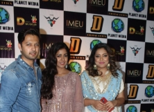 Tanushree Dutta with sister Ishita Dutta and Vatsal Sheth at Dream Dandiya