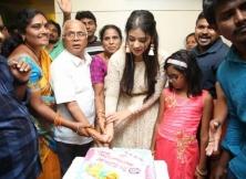 Actress Priyanka Jawalkar Inaugurates Be You Salon At Nalgonda