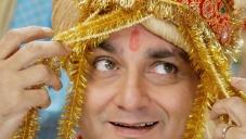 Vinay Pathak in Straight