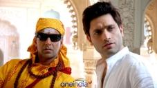 Akshay Kumar with Shiny Ahuja