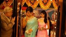 Priyanka Chopra, Prachi Desai