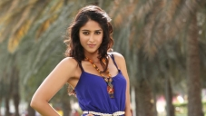 Ileana D'Cruz latest still from Julayi