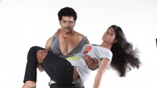 Vinod Prabhakar and Teju in Mari Tiger