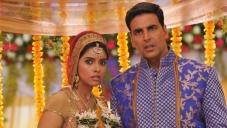 Asin and Akshay Kumar Stills From Khiladi 786