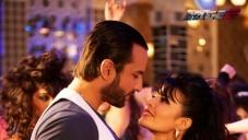 Saif Ali Khan Romancing Jacqueline Fernandez