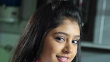 Niti Taylor still from Pelli Pusthakam Movie