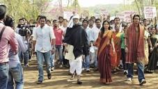 Ajay Devgan, Amitabh Bachchan, Amrita Rao and Arjun Rampal still from Satyagraha